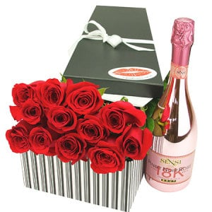 12 Red Roses Sparkling Wine Valentine`s Day Gift Box Delivered Sydney