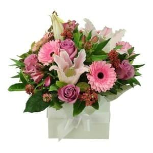 Deluxe Pink Flower Box