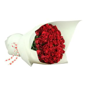 Stunning Long Stem Red Rose Bouquet
